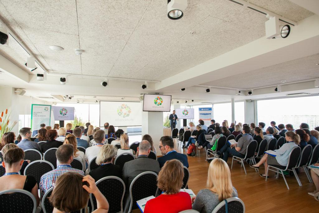 10-12June_2019_Plenary session during J. Nantl's speech